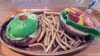 kua_aina_hamburger-1.jpg